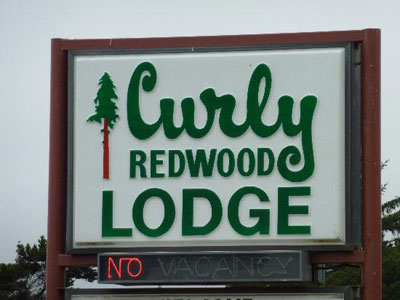 Curly Redwood Lodge